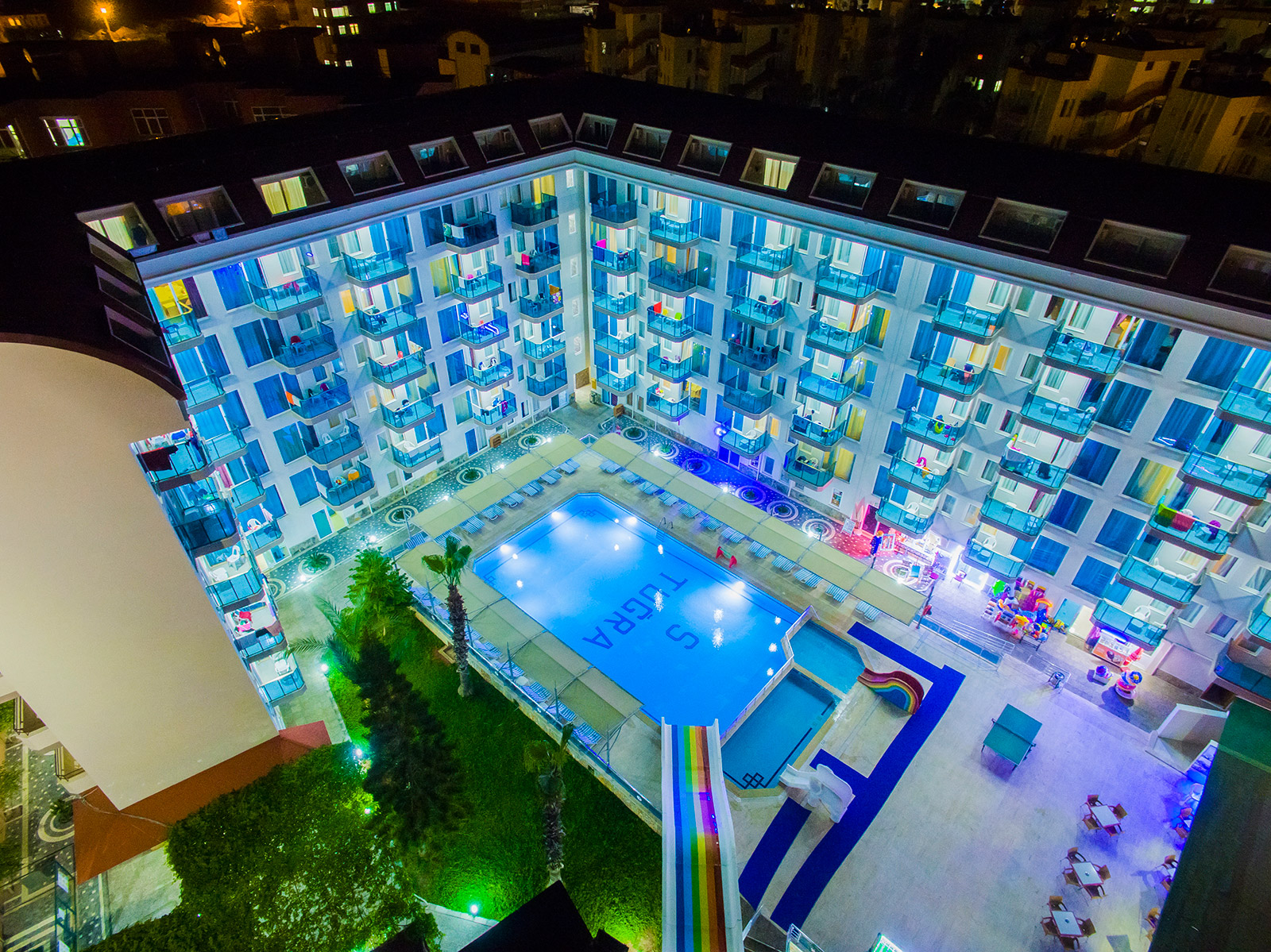 ENJOYING YOUR HOLIDAY FROM THE COMFORT OF HOME || Tuğra Suit Hotel Alanya